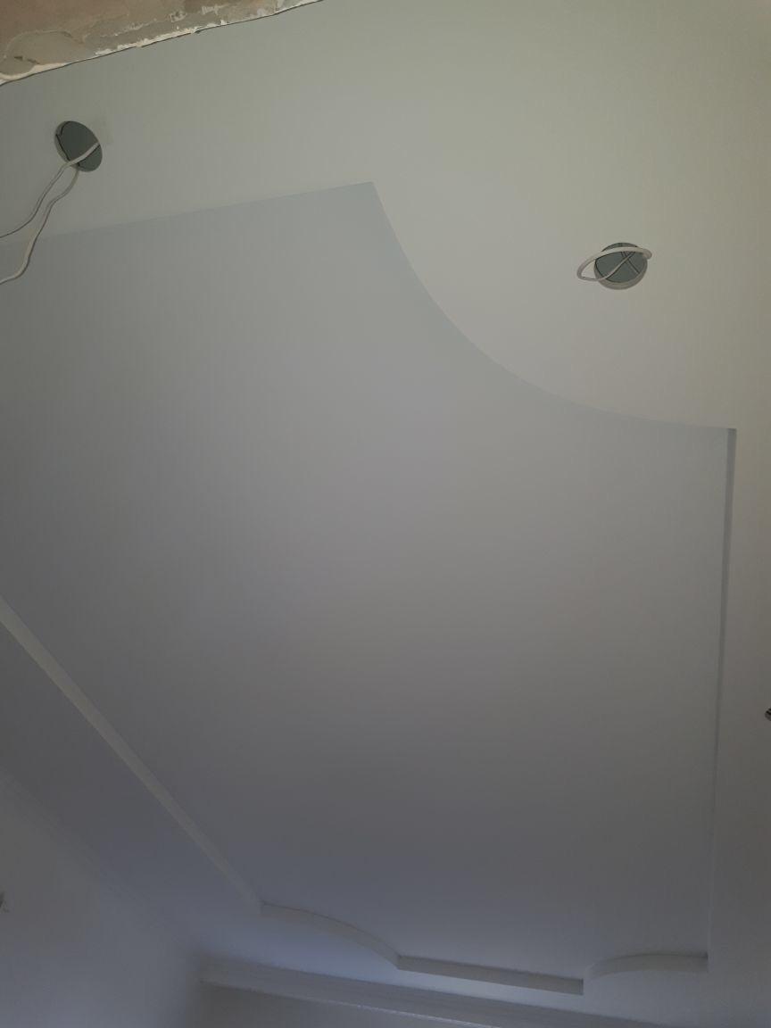 Что входит в установку натяжного потолка?