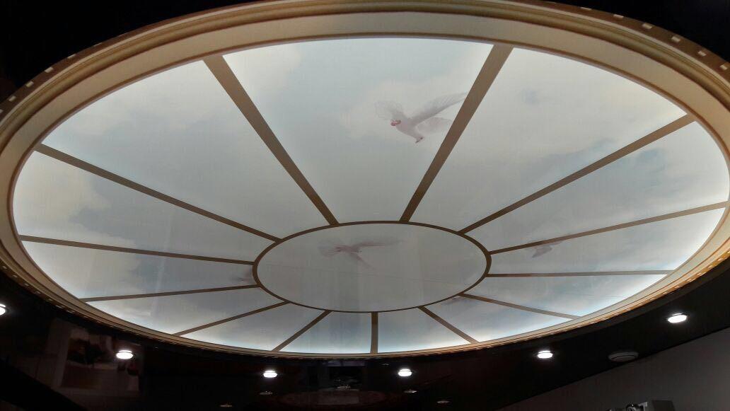 Натяжной потолок в большую комнату
